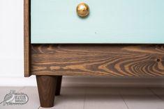 IKEA-bútor festése házilag: IKEA-hack-sorozat, 2. rész | Azúr Bagoly Ikea Hack, Latex, Entryway Tables, Cabinet, Storage, Furniture, Home Decor, Jelly Cupboard, Store