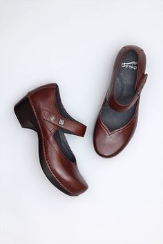 Tandy Cordovan Burnished Full Grain from the Ventura Collection by Dansko