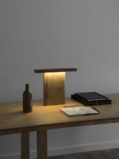 MONO - 2018 - Walnut, mahogany, leds Prototype - MONO is a minimal lamp producing a warm, soft, functional light. Diy Floor Lamp, Arc Floor Lamps, Modern Floor Lamps, Custom Lighting, Lighting Design, Farmhouse Floor Lamps, Study Lamps, Nightstand Lamp, Mid Century Modern Lighting