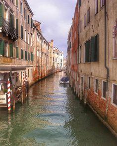 #italy #it #venice #venezia #igers #ig_venice #igtravel #ig_shotz_le #city #city_explore  #wonderful_places  #tb #canal #grandcanal #gondola #igers  #igtravel #ignation #ig_shotz_le #igworldclub #ig_worldclub  #explore #landscape #landscape_captures #perfection #amazingview #harmony #instalifo  #wonderful_places #soulpixels  #tb by giannis_dlg