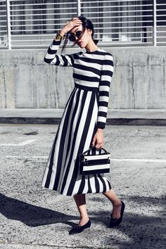 Black and white striped maxi dress // street style outfit Fashion Moda, Womens Fashion, Modest Fashion, Fashion Outfits, Dress Fashion, Fashion Clothes, Dress Outfits, Style Fashion, Fashion Tips