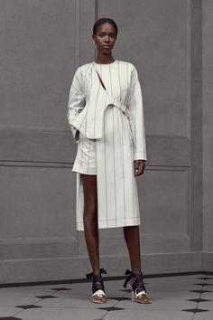 ++ style ++ Balenciaga Resort 2016 Fashion Show Fashion Details, Look Fashion, High Fashion, Fashion Show, Womens Fashion, Fashion Design, Dress Fashion, Fashion Black, Fashion Fashion