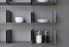 Noa shelves