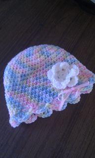 granny80's White Flower Hat