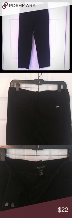 "WHITE HOUSE BLACK MARKET Slim Ankle sz 6R Black WHBM slim ankle pants.  Size 6R, approx. 15"" across the waist ad 26.5"" inseam.  2 angled front pockets, welt back pockets still sewn closed, front zip with double hook & bar closure.  94% cotton 6% spandex.  Like new, no wear. White House Black Market Pants Ankle & Cropped"