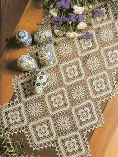 World crochet: Napkin 358 Crochet Art, Crochet Home, Thread Crochet, Crochet Motif, Crochet Squares, Crochet Granny, Filet Crochet, Granny Squares, Lace Doilies