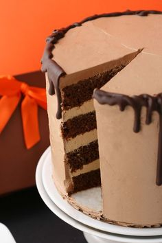 Whisk Kid: A Hot Mess - {Chocolate and Caramel Cake} It looks unreal! Chocolate Caramel Cake, Chocolate Drizzle, Yummy Treats, Sweet Treats, Cake Recipes, Dessert Recipes, Cupcake Cakes, Cupcakes, Small Cake