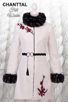 New Autumn CollectionHaina blana D&G Winter Style, captuseala naturala, accesorizare fina, eleganta, centura optionala, outfit superb de iarna