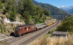 Re 425 der BLS (Bern - Lötschberg - Simplon - Bahn) in Ausserberg, Schweiz Bern, Swiss Railways, Commercial Vehicle, Train, Vehicles, Pictures, Landscapes, Photos, Trains