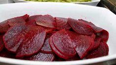 Torna-se complicado pelar as beterrabas cozidas? Conheça mais um truque infalível. #Pelar_Beterrabas #dicas #truques #cozinha #alimentos #pelar #beterrabas