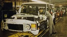 Range Rover Classic production line, Solihull, Birmingham. Late 1994.