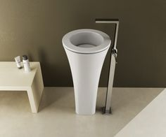 Designed by Karim Rashid for Cielo, Floot is an exceptionally elegant pedestal wash basin that is sure to add simple sophistication to any modern contemporary bathroom. Floot is a...
