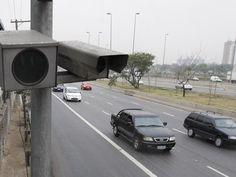 Motoristas sofreram 10,6 milhões de multas de trânsito em 2014 em SP +http://brml.co/1DK5uV9