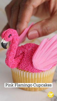 Wilton Cake Decorating, Cake Decorating Videos, Cake Decorating Techniques, Cookie Decorating, Frosting Recipes, Cupcake Recipes, Fun Desserts, Delicious Desserts, Flamingo Cupcakes