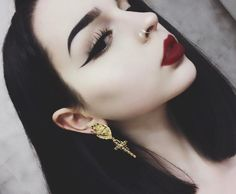 Vampy look by @foxfell