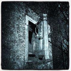 'Bunkerfenster' als Poster oder Kunstdruck