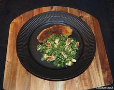 Låvises mad: Julekalenderens låge nummer 8 - paneret medister & grønkålsalat med bagt selleri