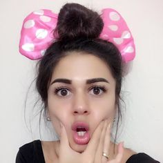 ezgizem Live on TikTok Popular People, Live In The Now, People Like, Live Music, Instagram, Musical Ly, Youtube, Skinny, Pictures