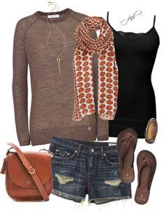Shorts de mezclilla y sandalias, ideales para el verano. Encuentra más ideas en http://www.1001consejos.com/moda