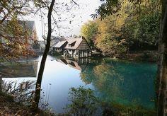 Ein Blick genügt: Dieser Ort hat etwas Magisches. Blau und Grün fließen schier unvergleichlich ineinander.