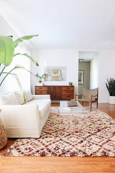 Vintage Moroccan Beni 6.5 x 12.1 Vintage rug mid century living room bohemian design white neutral modern slipcover sofa
