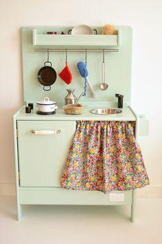 Wooden toy kitchen. BAM model. Macarena Bilbao. Wooden toy. Play kitchen