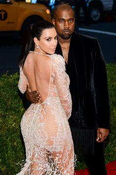 What Happened To Kanye West's '$600 Million' Divorce From Kim Kardashian? Pics Of Kim Kardashian, Kardashian Family, Hollywood Scenes, Hollywood Life, Celebrity Wedding Dresses, Celebrity Weddings, Celebrity Gossip, Celebrity News, Kanye West