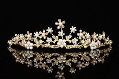 Gold Bridal Crystal Rhinestone Pearls Flower Wedding Crown Tiara V718