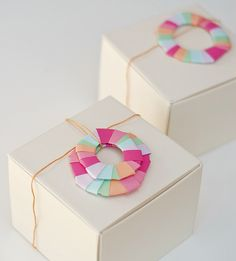 wreath wrapping on boxes