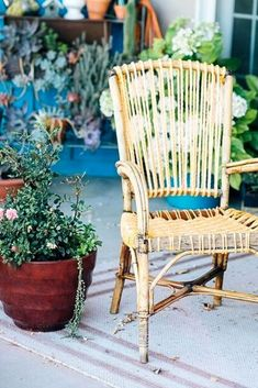 Check out this patio chair upcycle before and after idea for a way to give old furniture a second life. Boho inspired patio chair upcycle DIY.
