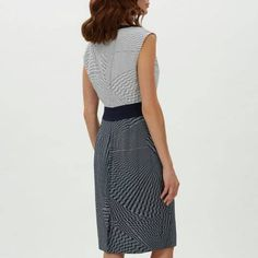 f9a3c0b37954 32 Best Dressmaking inspiration images   Formal dresses, Moda, Net a ...