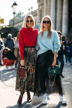 The Best Street Style Of Paris Fashion Week - Zefinka Stylish Outfits The Best Street Style Of Paris Fashion Week Would wear them both! Love them x Awesome fashion ღ Look Fashion, Korean Fashion, Trendy Fashion, Autumn Fashion, Fashion Trends, Net Fashion, Latest Fashion, Fashion Beauty, Fashion Style Women