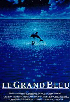 Le grand bleu est un film de Luc Besson de 1988 avec Jean-Marc Barr, Jean Reno. Synopsis : La rivalité de deux enfants, dans la mer, en Grèce, qui se poursuit lorsqu'ils sont adultes. Lequel des deux plongera le plus loin et le plus profond ? Leurs amours, leurs amitiés, avec les humains et avec les dauphins, à la poursuite d'un rêve inaccessible.