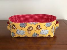 Madalena couture - Coudre Un petit Panier Rectangulaire Pour Enfant - Смотреть видео бесплатно онлайн Rectangular Baskets, Quilting Room, Couture Sewing, Practical Gifts, Easy Sewing Projects, Fun Crafts, Diaper Bag, Fabric, Bags