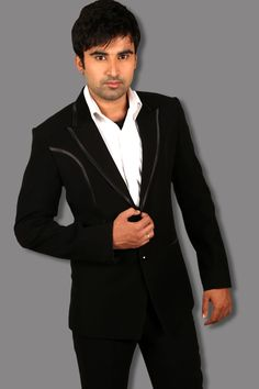 Designer suits collection for men. #Designersuits http://manawat.in/