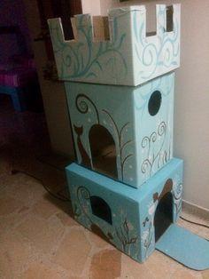 Castillo de cartón para gatos