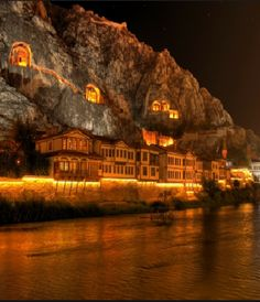 The town of Amasya situated on the Yeşil River in the Black Sea Region on the north of Turkey Places Around The World, The Places Youll Go, Places To See, Around The Worlds, Wonderful Places, Beautiful Places, Empire Ottoman, Visit Turkey, Destinations