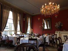 City chic Lifestyle: First floor restaurant, Notting Hill, London