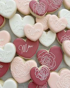 Mother's Day Cookies, Valentines Day Cookies, Christmas Sugar Cookies, Iced Cookies, Sugar Cookie Icing, Royal Icing Cookies, Flower Cookies, Dessert Decoration, Wedding Cookies