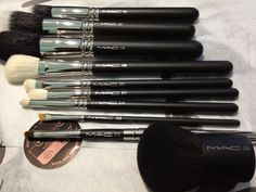 MAC essential makeup brushes