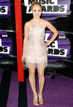 CMT Music Awards 2013: AnnaSophia Robb