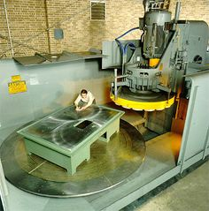 Now that's a Blanchard grinder, large swirl patters galore! Industrial Machinery, Heavy Machinery, Grinding Machine, Milling Machine, Turret Lathe, Fabrication Tools, Tool Room, Machinist Tools, Maker Shop