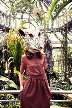 Freimodekultur: Ten Decades of Fashion - greenish - Welcome Education No Face, Animal Masks, Animal Heads, Paper Face Mask, Unique Halloween Costumes, Trends Magazine, Animal Costumes, Diy Mask, Mask Design