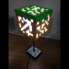 """Luminária de Mesa Modelo """"Minecraft"""""""