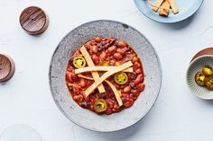 Achieve all the flavors of slow-simmered chili in just 30 minutes with the help of a few pantry staples. Vegan Beef, Vegetarian Recipes, Vegetarian Cooking, Vegetarian Dinners, Korma, Biryani, Mild Salsa, Three Beans, Vegetarian