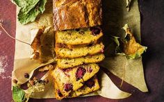 A loaf cake full of autumnal flavours. Sweet Loaf Recipe, Sweet Recipes, Cake Recipes, Dessert Recipes, Desserts, Loaf Recipes, Tea Loaf, Pear Dessert, Full Fat Yogurt