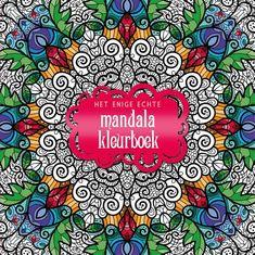 Het enige echte mandala kleurboek || Door: Diverse auteurs || Mandala's worden traditioneel gebruikt als bron van wijsheid en meditatie. Maar ze vormen natuurlijk ook gewoon prachtige kleurplaten. In 'Het enige echte mandalakleurboek' staan meer dan 70 van de mooiste mandala's om in te kleuren. Het boek heeft extra dik papier waardoor het geschikt is voor alle materialen, of je nu kiest voor potlood, stift, k...