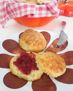 Biscuits (pãezinhos amanteigados)