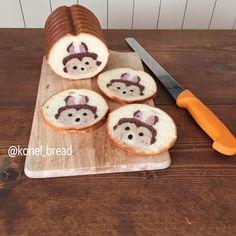 Voici les créations de Konel Bread, un boulanger japonais qui s'amuse à créer les dessins et les motifs les plus fous à l'intérieur de ses pains, qui dév