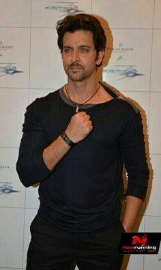 Mumbai, Hrithik Roshan Hairstyle, Krrish 3, Daily Fashion, Men's Fashion, Sexy Men, Hot Men, Celebs, Male Celebrities